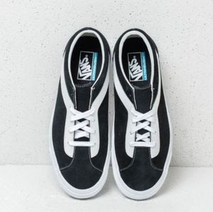 Vans Retro Skateboard Shoes Black & White Low Top